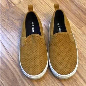 Brown old navy slide on toddler shoes